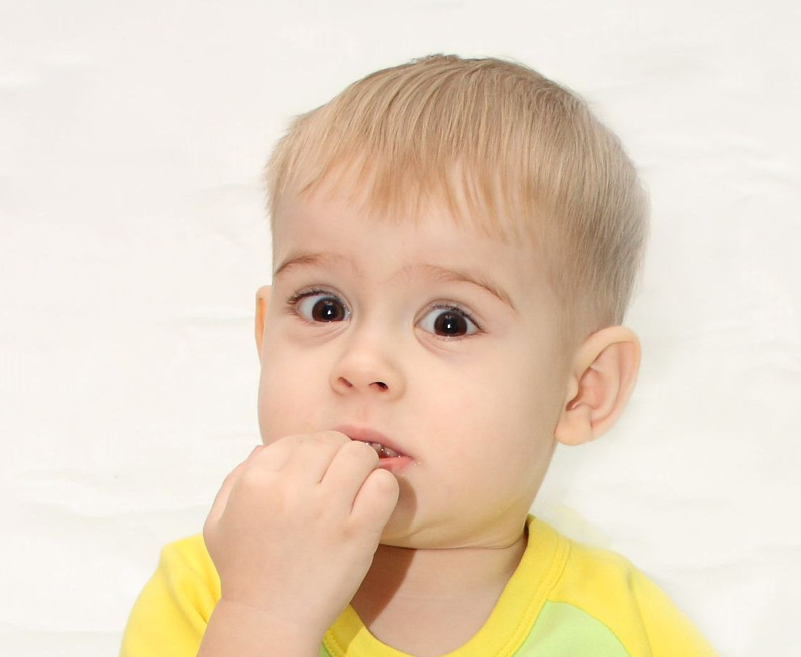 Ребенок грызет ногти 4 года